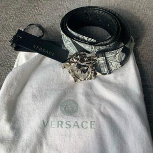 VERSACE Barrocco Print REVERSIBLE Belt